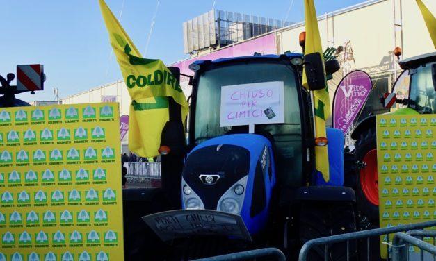 Coldiretti: in migliaia con i trattori a Fieragricola contro gli insetti killer