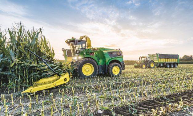 Meno trattori vecchi e più servizi professionali conto terzi, le richieste di Uncai